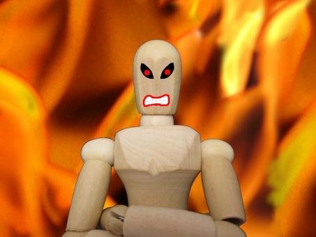 怒りや憎しみを表現している人形